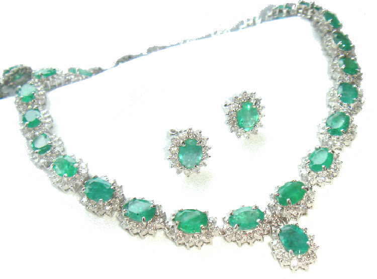 38 40ct Emerald Diamond Necklace Earrings Set In 14k White Gold