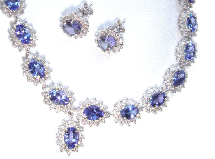 38 40ct Tanzanite Diamond Necklace Earrings Set